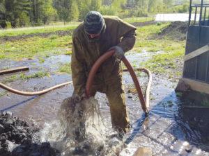 очистка скважины на воду от машинного масла