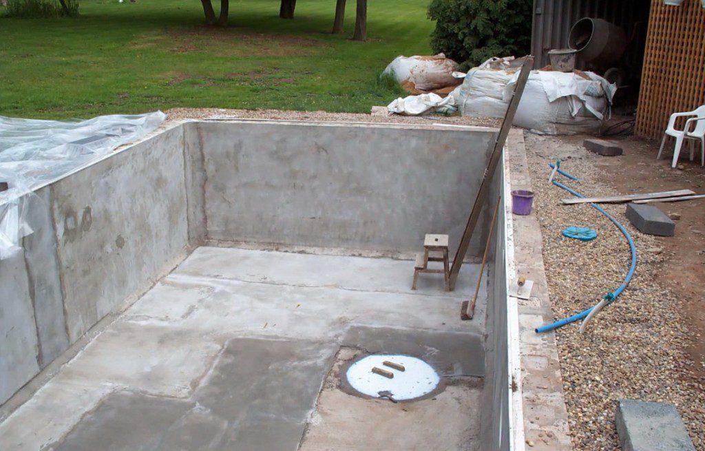 строительство бассейна своими руками
