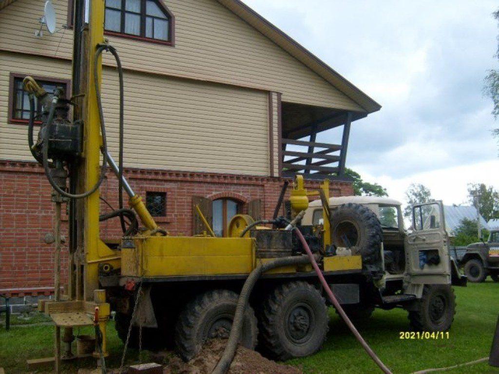 процесс бурения скважины на песок в Нижегородской области