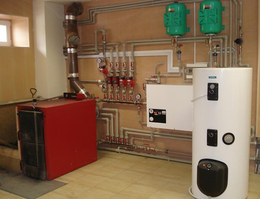 установка оборудования для отопления в доме