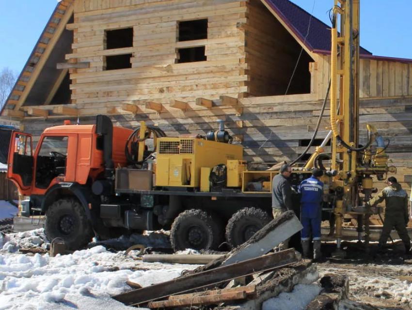 Заказать бурение на воду в Нижегородской области от 1400 рублей за метр.